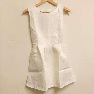 🆕純白色立體印花洋裝✨