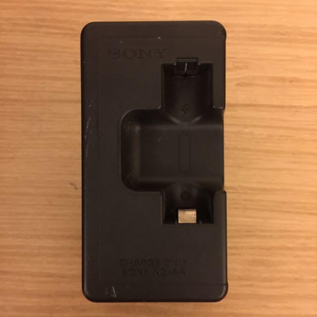 二手 SONY充電電池充電器 100-120V•220-240V
