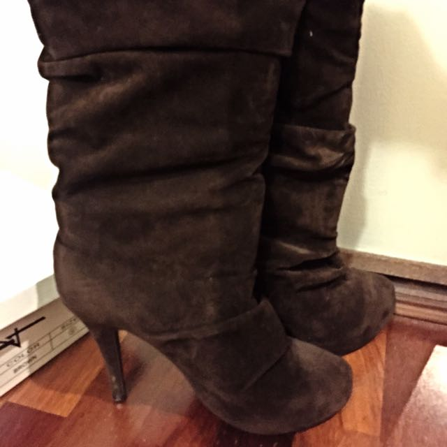 Forever 21 Brown Suede Boots Size 9