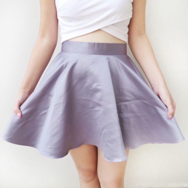 [ disc 15%: 68.000] grey satin skirt
