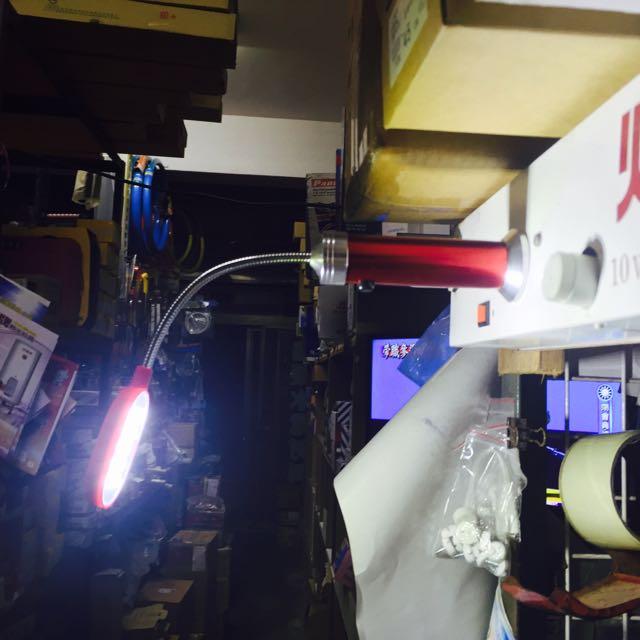 超亮LED蛇管磁鐵工作燈💡售300含郵局運費