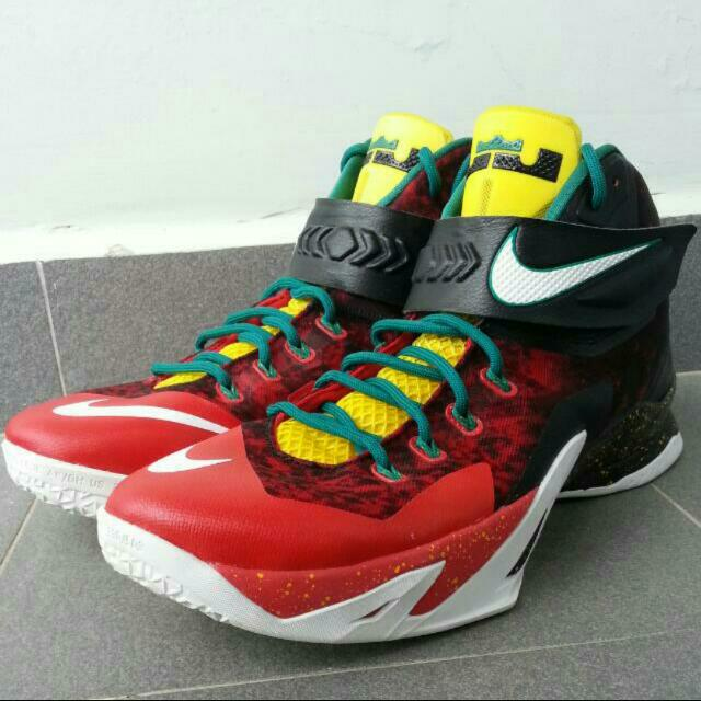 the latest a3e25 539ef Authentic Nike Lebron Zoom Soldier 8 Christmas Edition