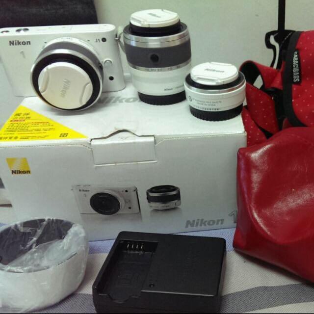 Nikon J1(有三個鏡頭可替換)