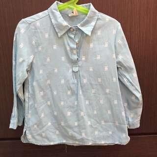 貓頭鷹 天藍色襯衫 約適110。(二手品)