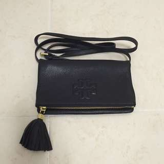 2d04e27302f6f Almost Brand New Authentic Tory Burch Fold Over Sling Bag   Clutch  Pouch    Wallet