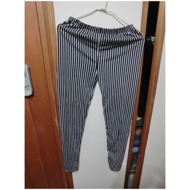 條紋內搭褲