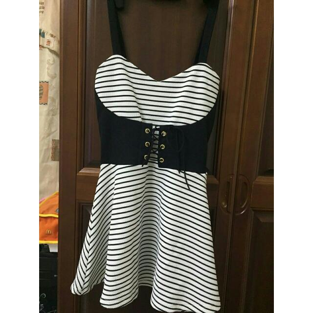 黑白條紋綁帶吊帶裙