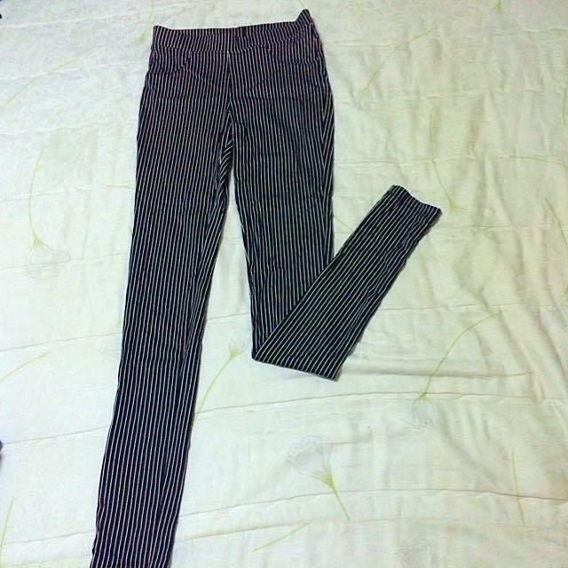 黑白條紋彈性內搭褲