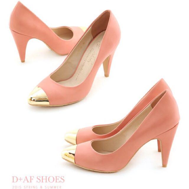 大尺碼D+AF 春日羅曼史‧金屬拼接美型尖頭高跟鞋*粉43