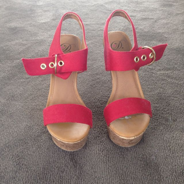 Red Wedges Size 6