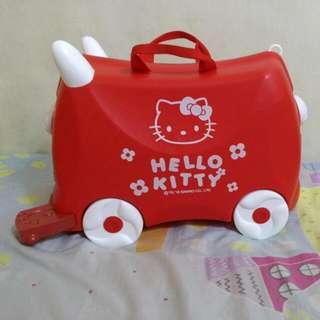 Kitty. 兒童行李箱   可乘坐行李箱