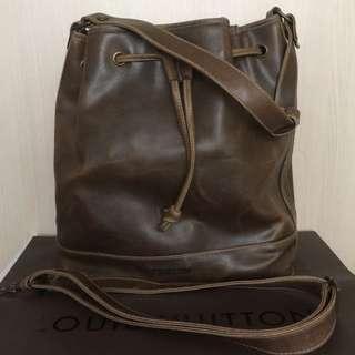 【MIRYOKU】經典復古皮革系列 / 經典刷色水桶包- 深咖