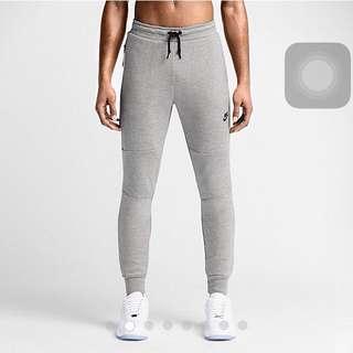 不到8折)Nike Fleece Pants 灰