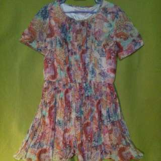$4 SALE✔ ...or Grab 3 Items For Only $10!!!👍👍👍 Sweet Pleated Paisley Prints Dress