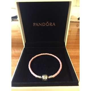PANDORA粉紅皮繩手環 含運