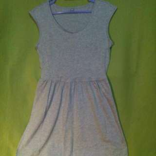 $4 SALE✔ ...or Grab 3 Items For Only $10!!!👍👍👍 UNIQLO Comfy Sleeveless Skater Dress
