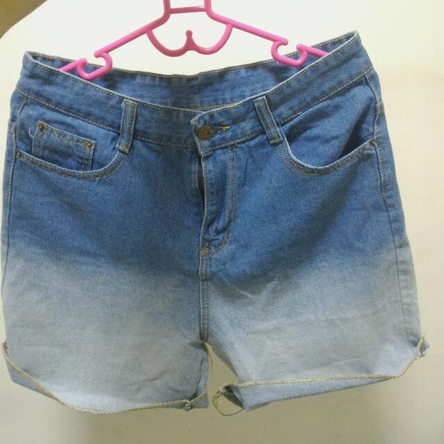 漸層牛仔短褲