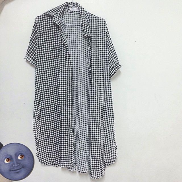 黑白格長版外罩襯衫
