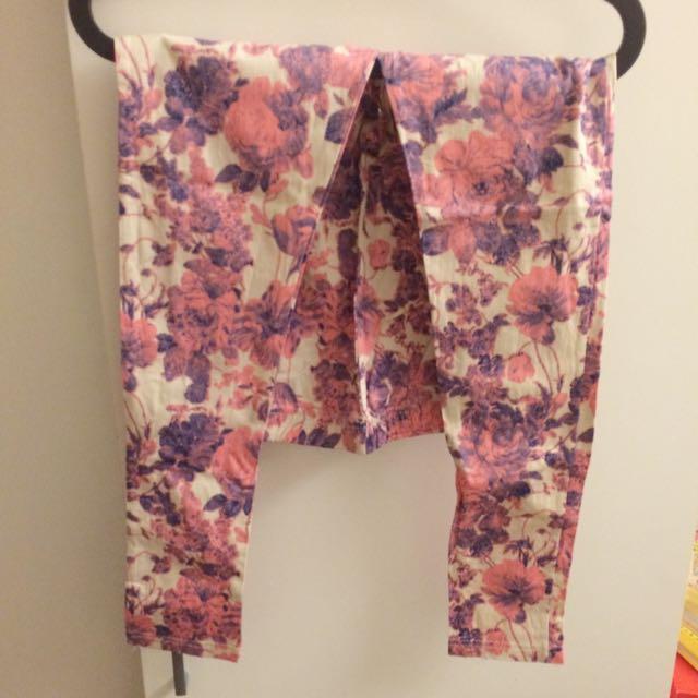 全新韓貨 粉紅色碎花 帶點復古風 內搭長褲 S號