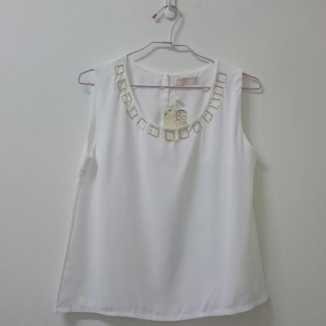 <服飾>全新 韓版 白色無袖上衣 s