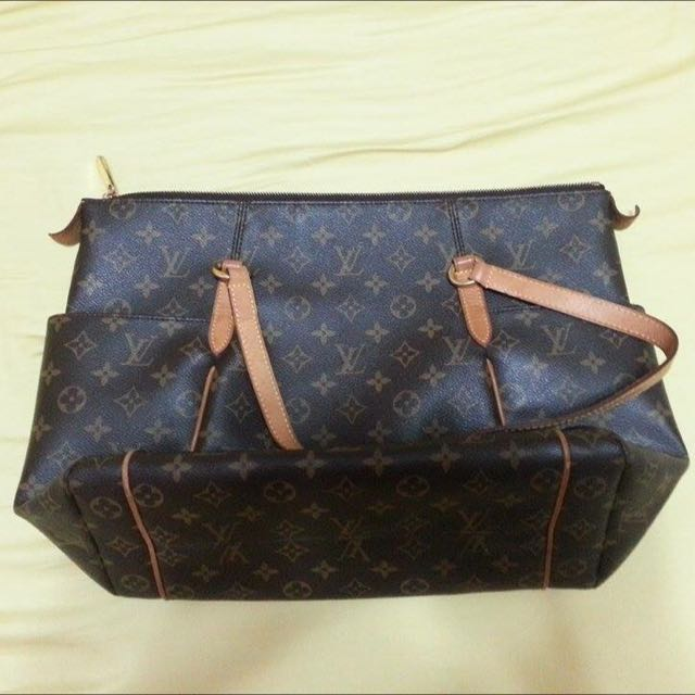 LV Totally Monogram M56689 MM