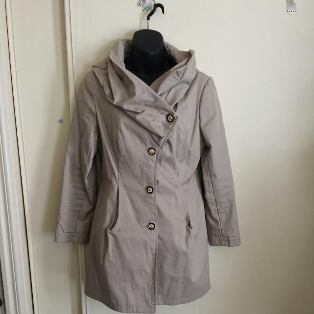 Trench Coat. Asymmetrical Collar