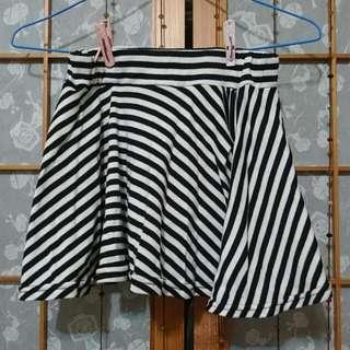 黑白條紋小短裙