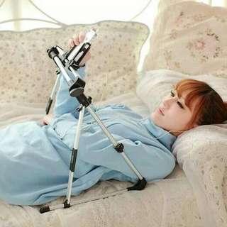 1028-13  創意懶人支架  此款支架屬超輕便攜式,坐、卧、躺都可以。  尺寸如圖  重量 380g  運費:80  10/28結單