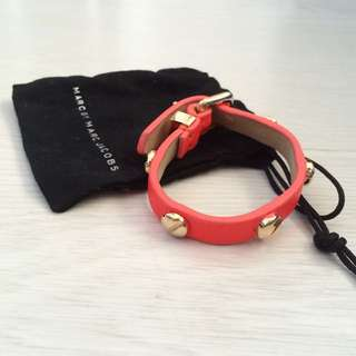 marc by marc jacobs neon orange leather bracelet