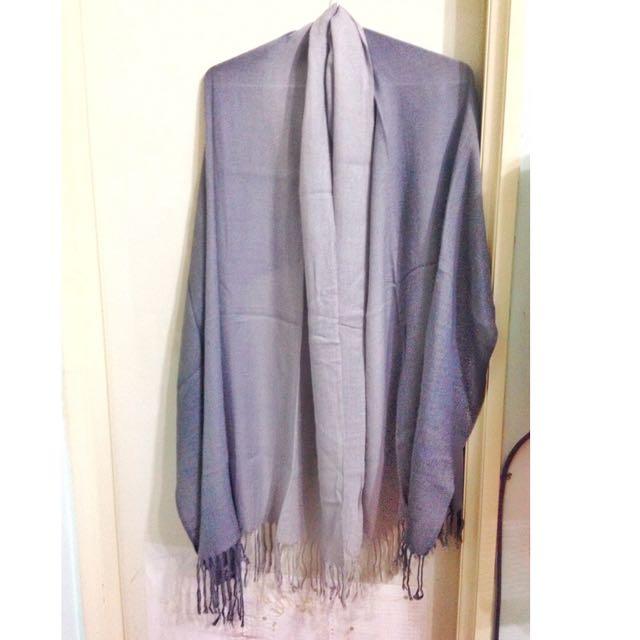 (保留)灰色漸層細線圍巾