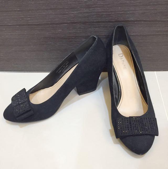 達芙妮—黑麂皮粗跟鞋