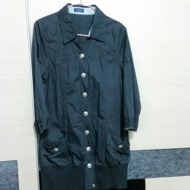 黑色風衣外套