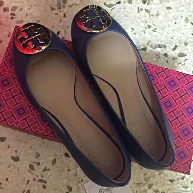ee32fc572095d2 REDUCED PRICe!!! Authentic Tory burch Greek Blue  Gold flats Size ...