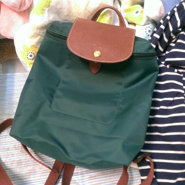 【9成新】Longchamp後背包。秋冬款。雪松綠