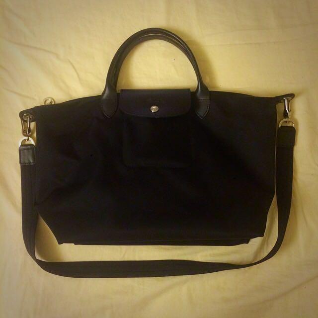 Longchamp全黑牛皮短柄包M號(有背帶)