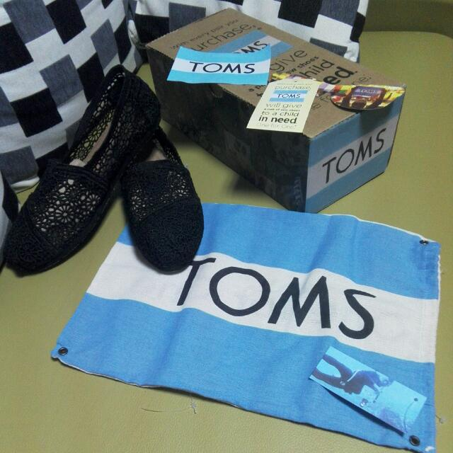 TOMS黑色蕾絲休閒懶人鞋