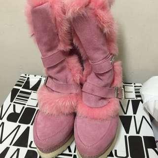 MajorMade 粉色兔毛靴