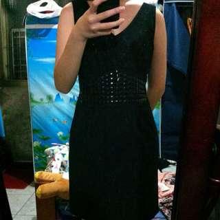 黑修身小洋裝