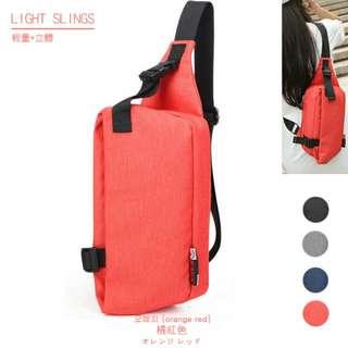 輕量立體防潑水斜背包 (小款)- 橘紅色