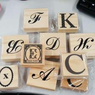 英文字母印章一堆$100