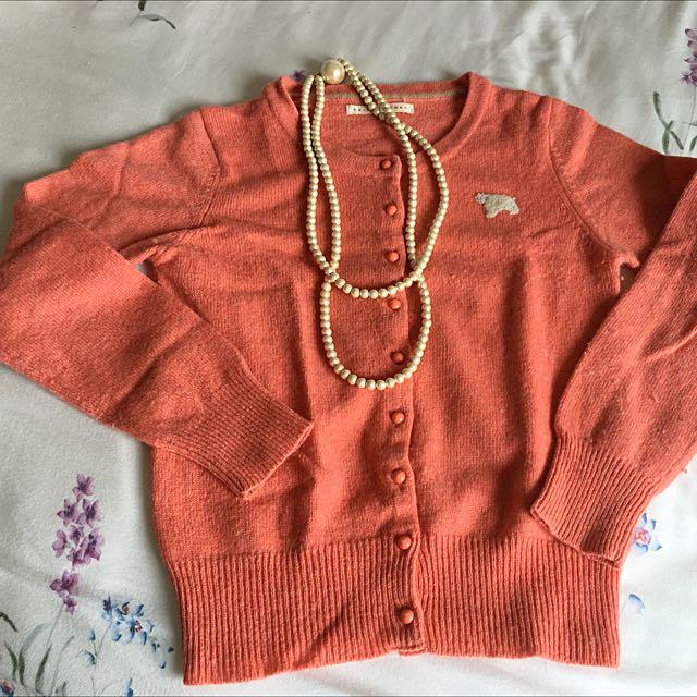 二手日本甜美小熊毛衣外套約9成新只要350元有二色可選市價2干多