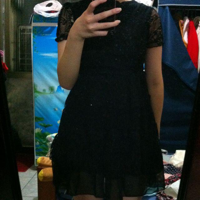 黑蕾絲洋裝