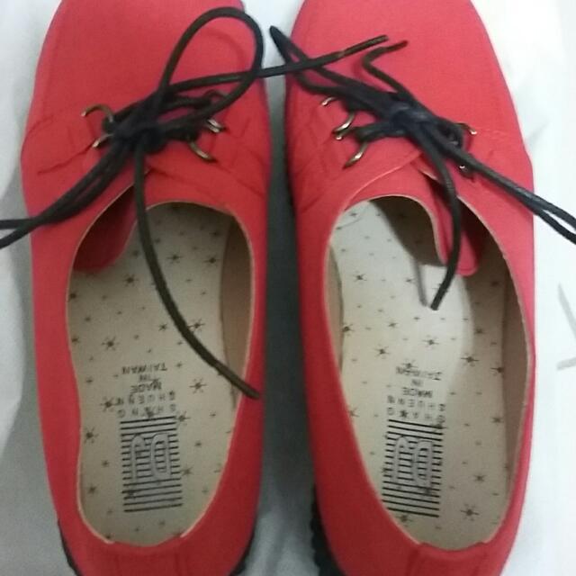 (八成新)紅色厚底鞋