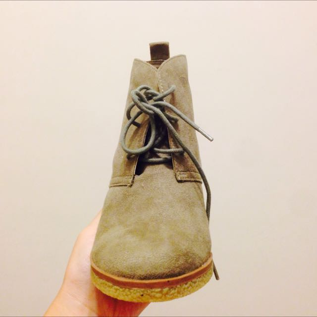 American Eagle 麂皮短靴