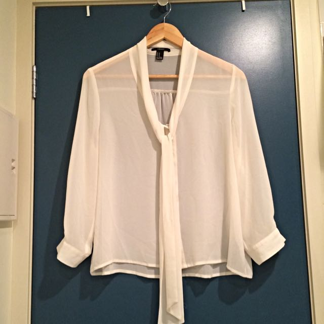 Forever 21 Size M Blouse