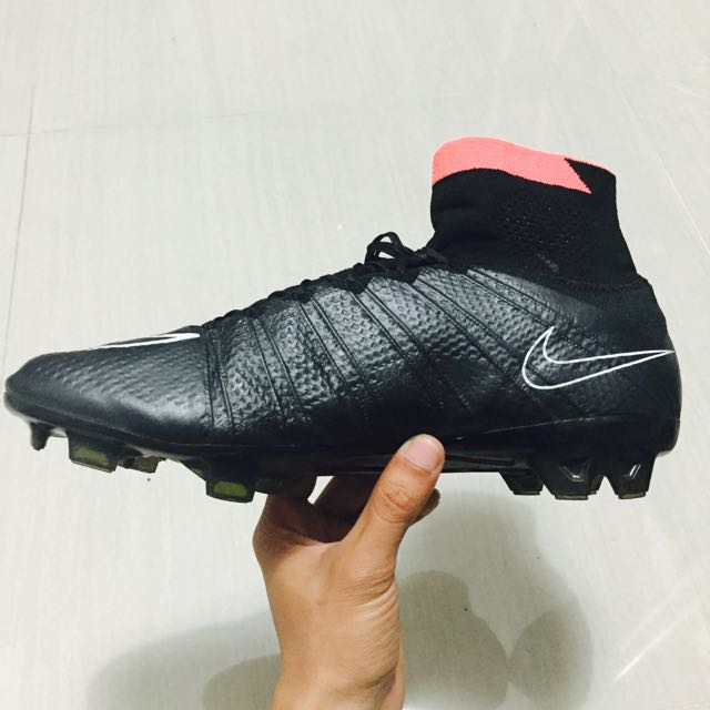 new concept 66eff 0333e Nike Mercurial Superfly 4 (black red) 1st Grade, Sports on Carousell