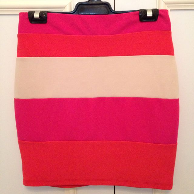 Panel Skirt Size Small