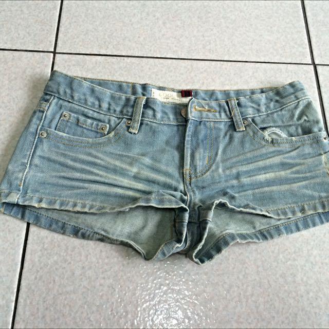 牛仔褲(s)