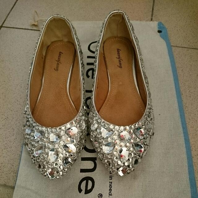 水鑽娃娃鞋.包鞋(免運)