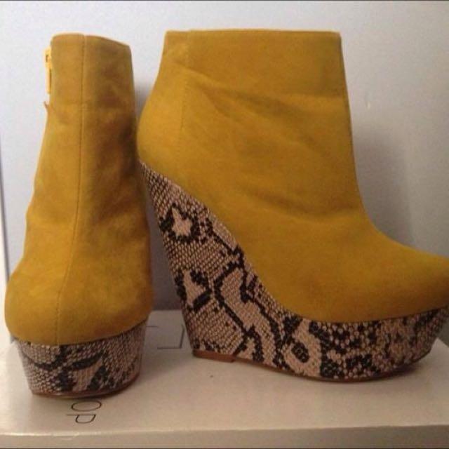 Catwalk platform Suede Boots